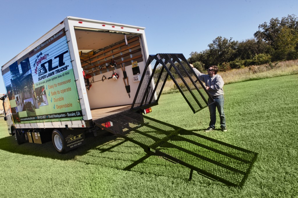 Loading Ramp for box trucks easy one-person operation - Super Lawn  Technologies - Loading Ramp For Box Trucks Easy One-person Operation - Super Lawn